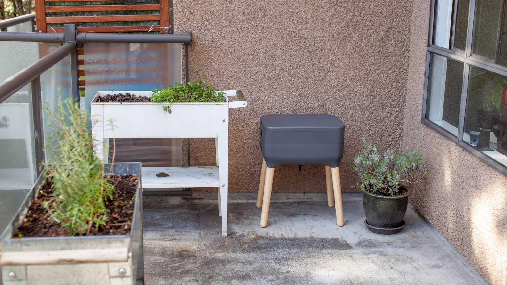 balcony apartment composting