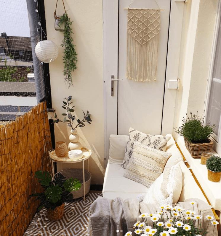 balcony wall art