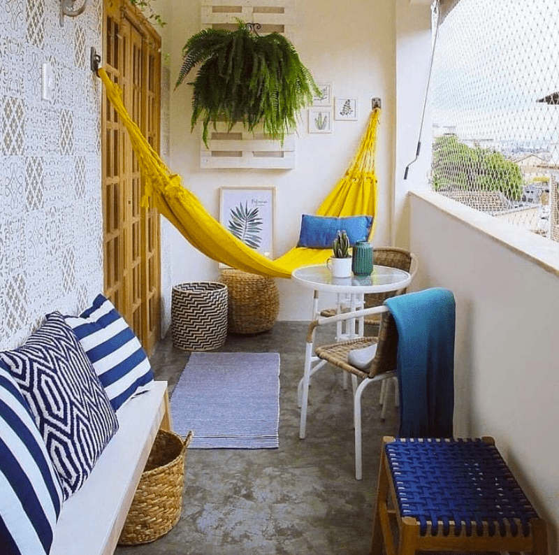 apartment balcony enclosure